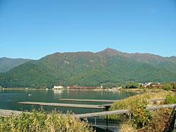 河口湖付近の紅葉