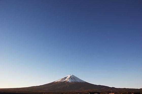 冠雪富士山