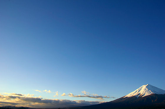 早朝の富士山写真