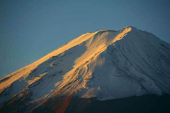 雪の富士山頂