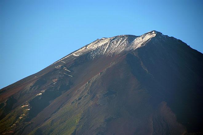 富士山頂冠雪