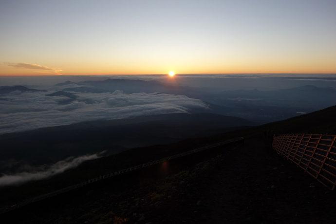 富士山6合目から見る御来光